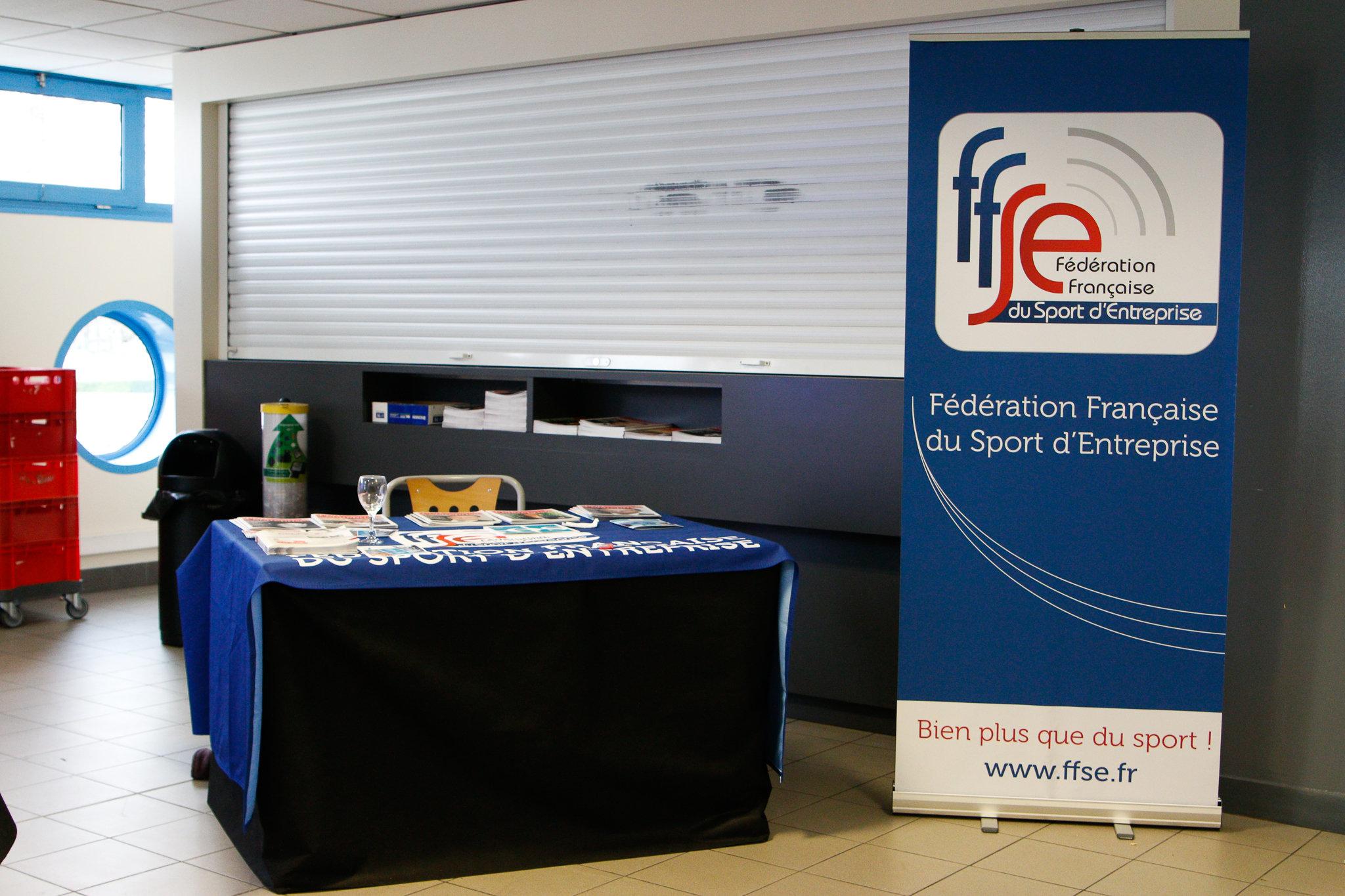 Le stand de la FFSE, le calme avant le tempête