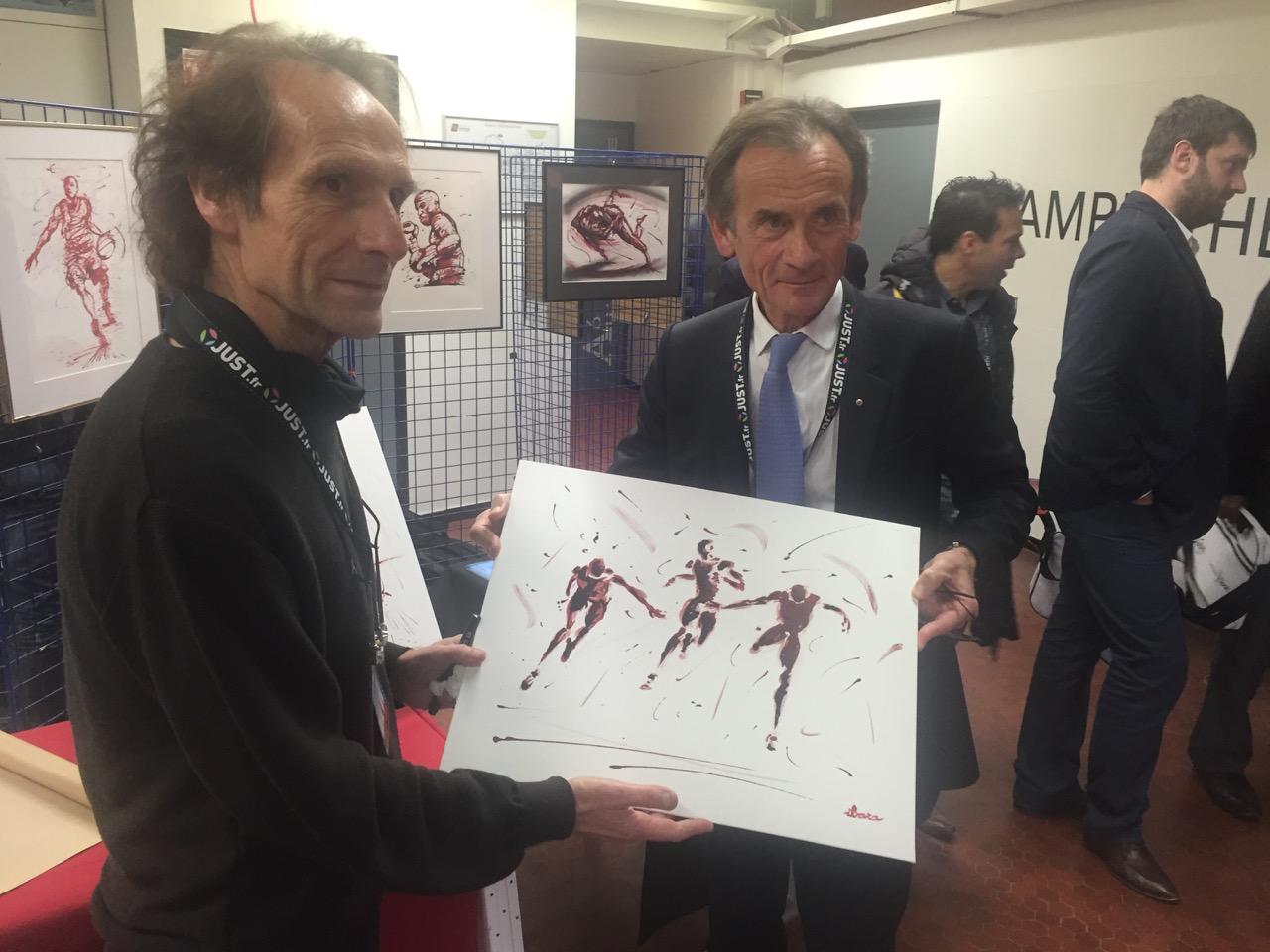 Le Président de la Mutuelle JUST reçoit un tableau d'Henri IBARA